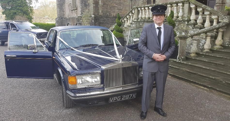 Image 2: Wedding Car