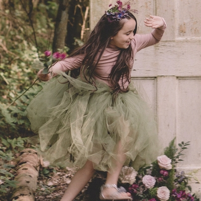 We talk to Lucy Menghini of Six Stories bridal brand about big-day flowergirl trends