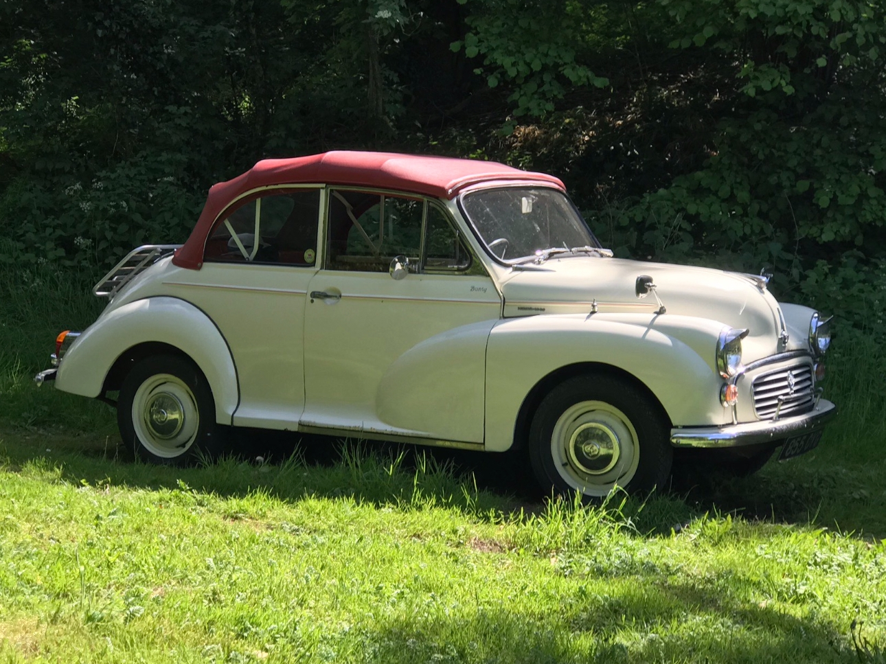 Get to the church on time in a vintage car from Milbury Morris Minors